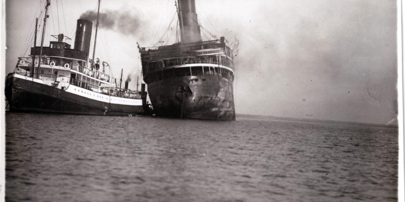 Remorquage du Paquebot Atlantique janvier 1933