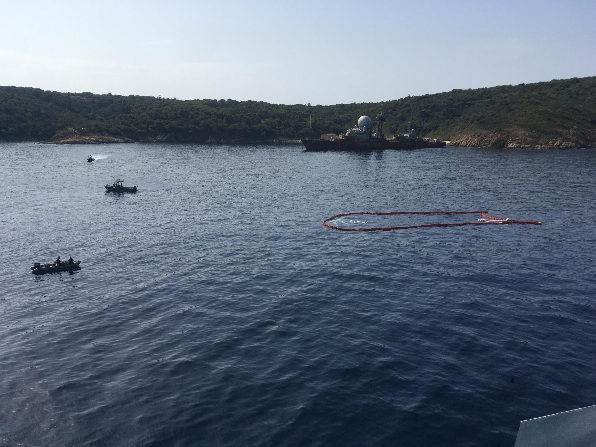 Lutte antipollution aux îles du Levant